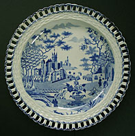 antique blue and white pottery image - RARE ANTIQUE POTTERY GOTHIC CASTLE PATTERN ARCADED DISH WITH TRANSITIONAL CHINOISERIE DECORATION, ATTRIBUTED TO SPODE C.1810-20