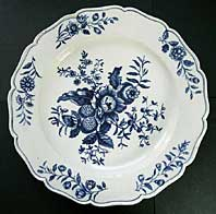 antique blue and white pottery image - FIRST PERIOD WORCESTER BLUE AND WHITE PLATE, TRANSFER PRINTED WITH THE PINE CONE GROUP PATTERN BFS II.C.11 C.1770-1785