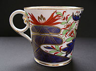 FINE REGENCY CHAMBERLAIN WORCESTER PORCELAIN THUMB AND FINGER PATTERN BADEN SHAPE COFFEE CAN C.1810
