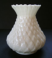 BEAUTIFUL ANTIQUE BELLEEK THISTLE TOP VASE SECOND BLACK MARK C.1891-1926