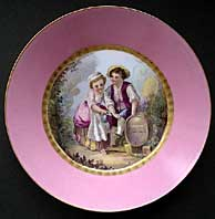 SEVRES 19TH CENTURY FRENCH PORCELAIN HAND PAINTED RURAL LOVERS PATTERN SAUCER DISH DATED C.1835