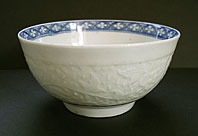 WORCESTER PORCELAIN CHRYSANTHEMUM RELIEF PATTERN BLUE AND WHITE WORKMAN'S MARK BOWL C.1757-60