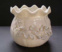 STUNNING BEST BELLEEK IRISH PORCELAIN CRINKLED FLOWER POT VASE C.1891-1926