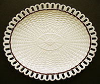 FINE STAFFORDSHIRE OR YORKSHIRE CREAMWARE ARCADED DISH IN BASKET WEAVE PATTERN C.1780-1800